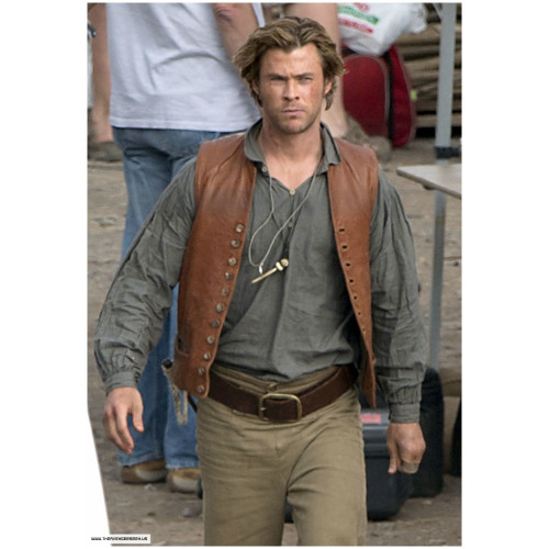 In The Heart Of The Sea Chris Hemsworth Vest